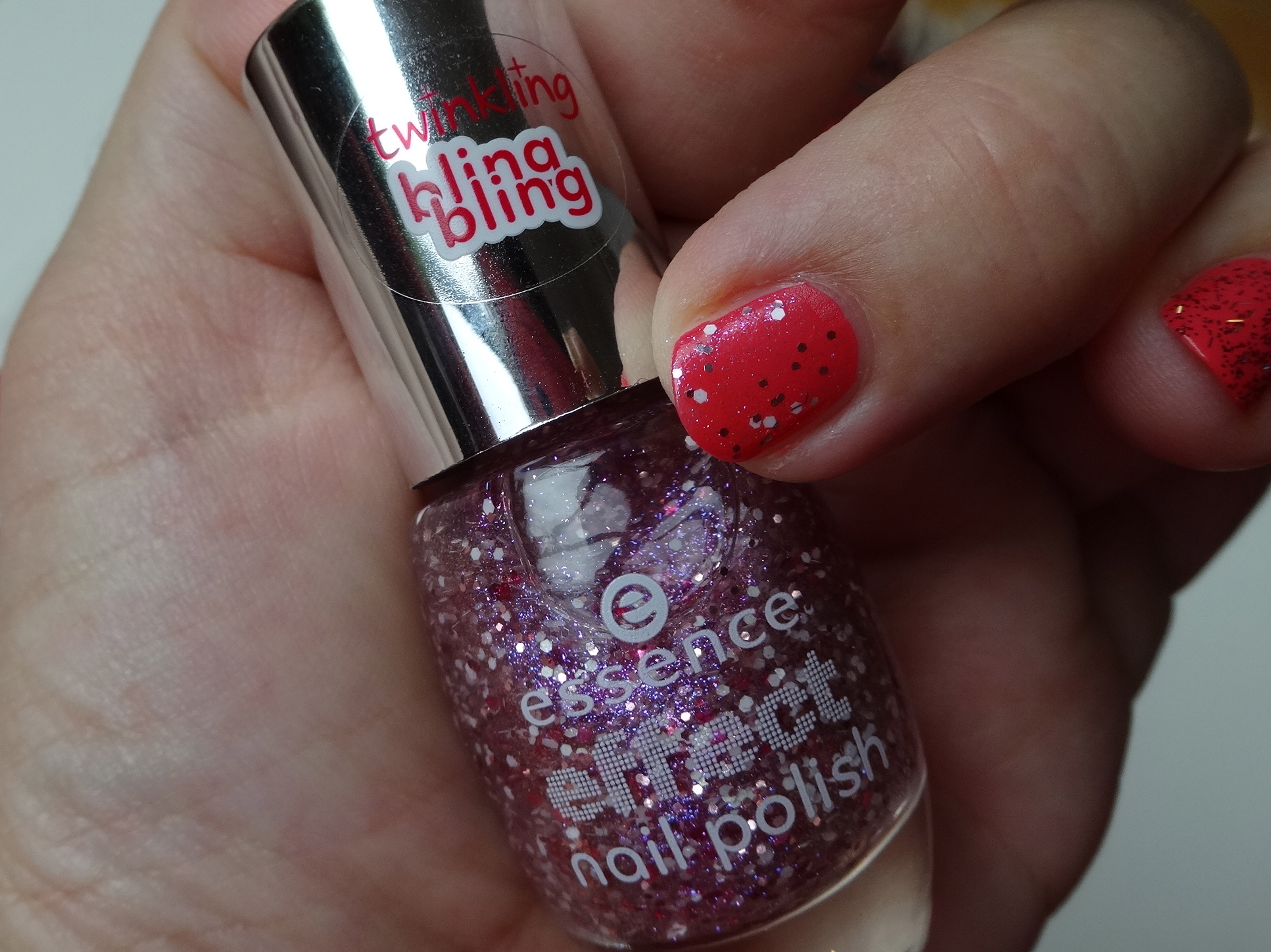 essence twinkling bling bling 16 lovely, maybe über/over color & go 185 candy crush