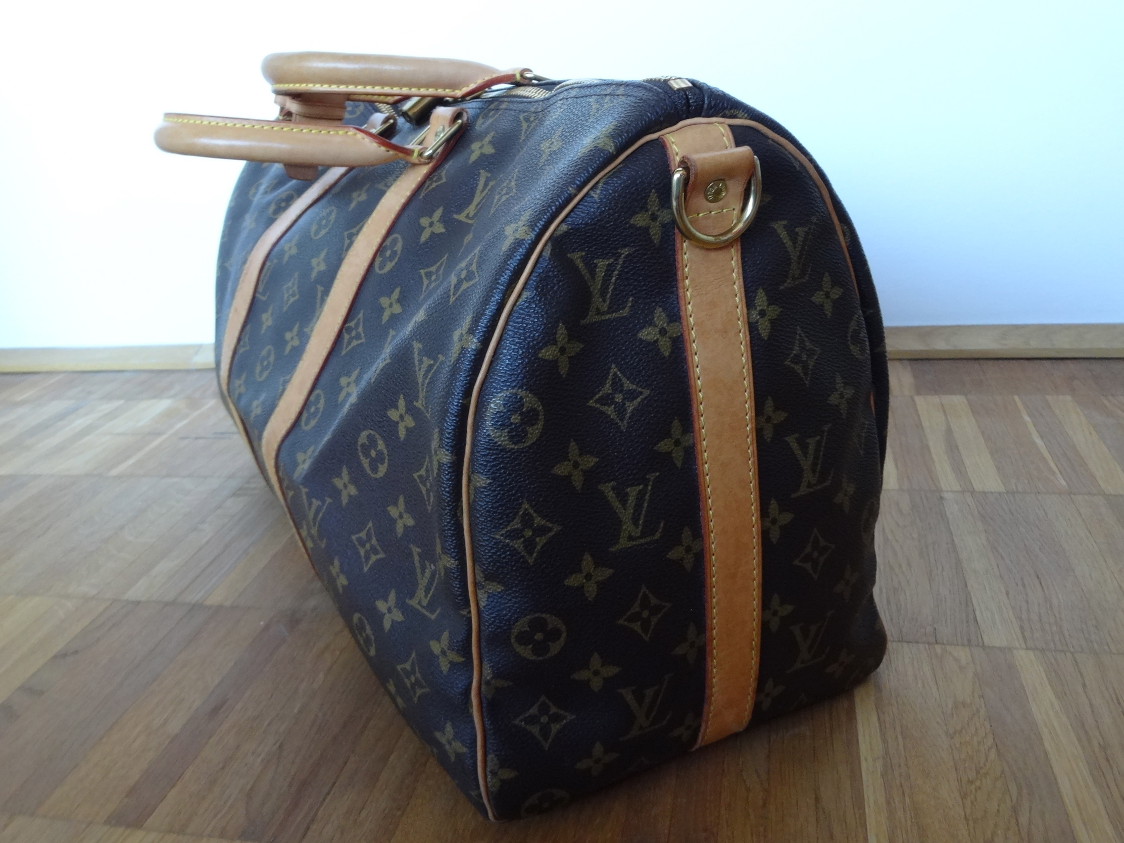 Louis Vuitton Keepall 45 side view