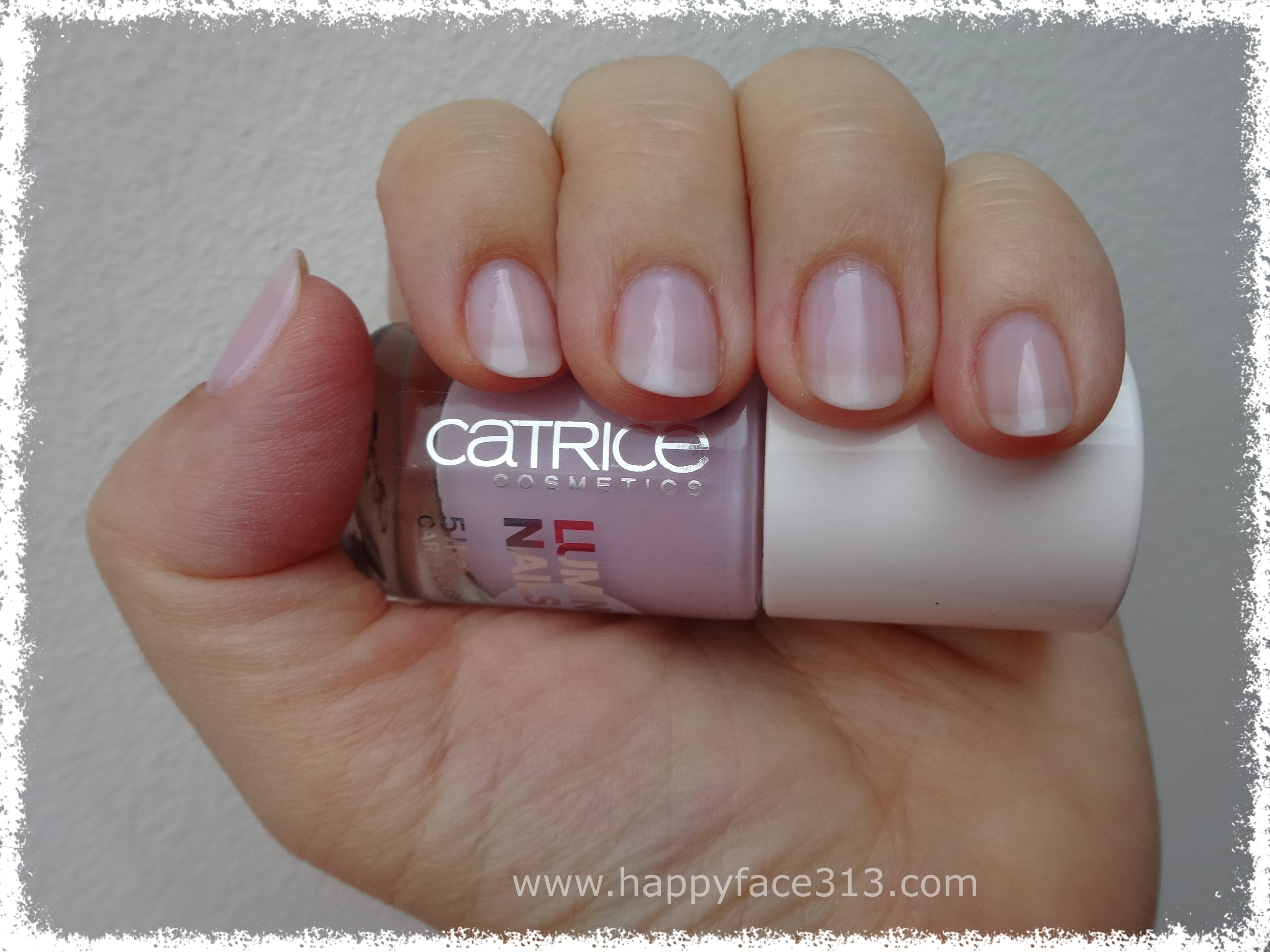 I am very HAPPY with Catrice Luminous Nails 40 Parfait Violet