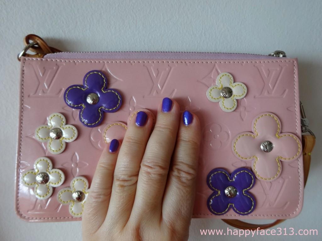 Louis Vuitton Lexington Fleurs with matching nail polish