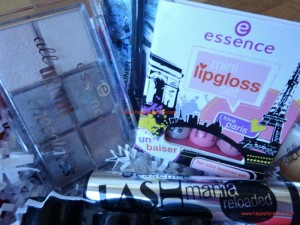essence eye shadow palette, mascara lipgloss, catrice brush
