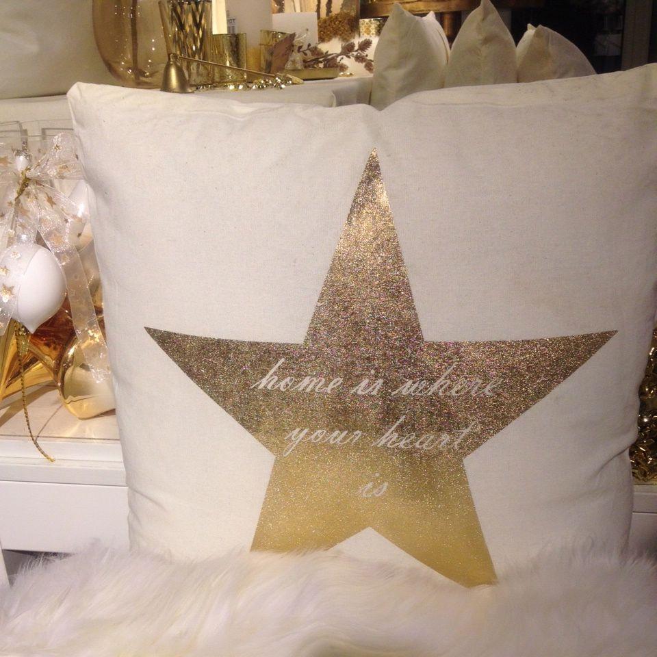 Kissen mit weihnachtlichen Motiven
