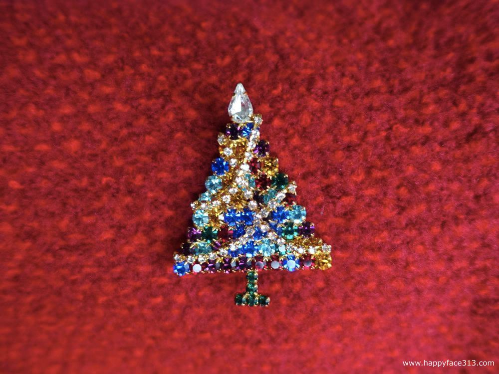 Christmas tree with fairy lights / Weihnachtsaum mit Lichterkette