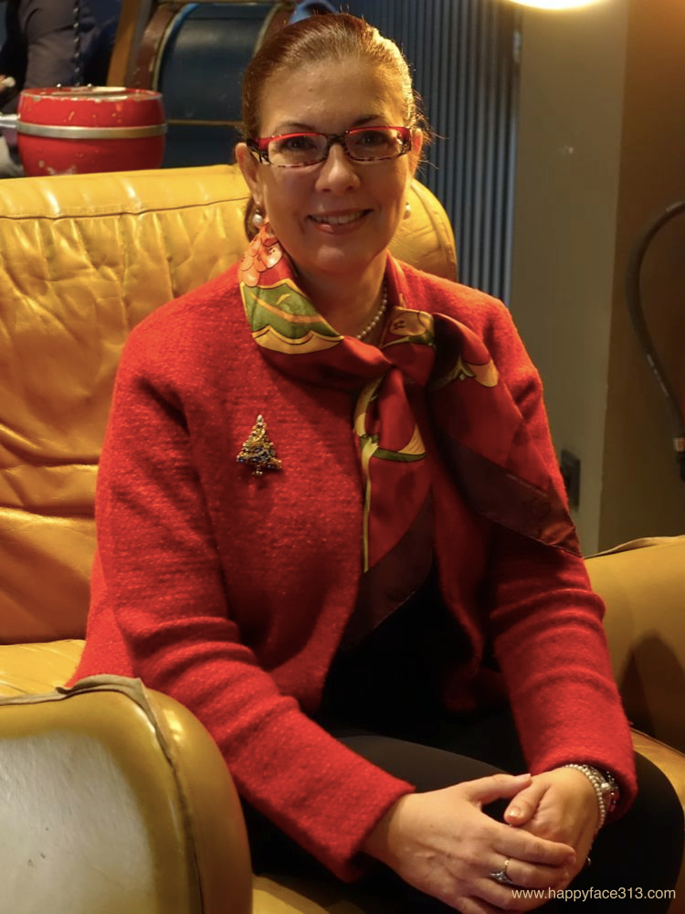 wearing my Christmas brooch and Neige d'Antan scarf