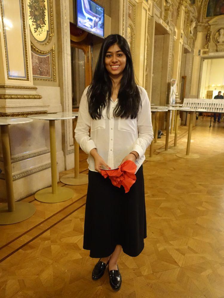 first Indian debutante - Aanshi - die erste indische Debütantin