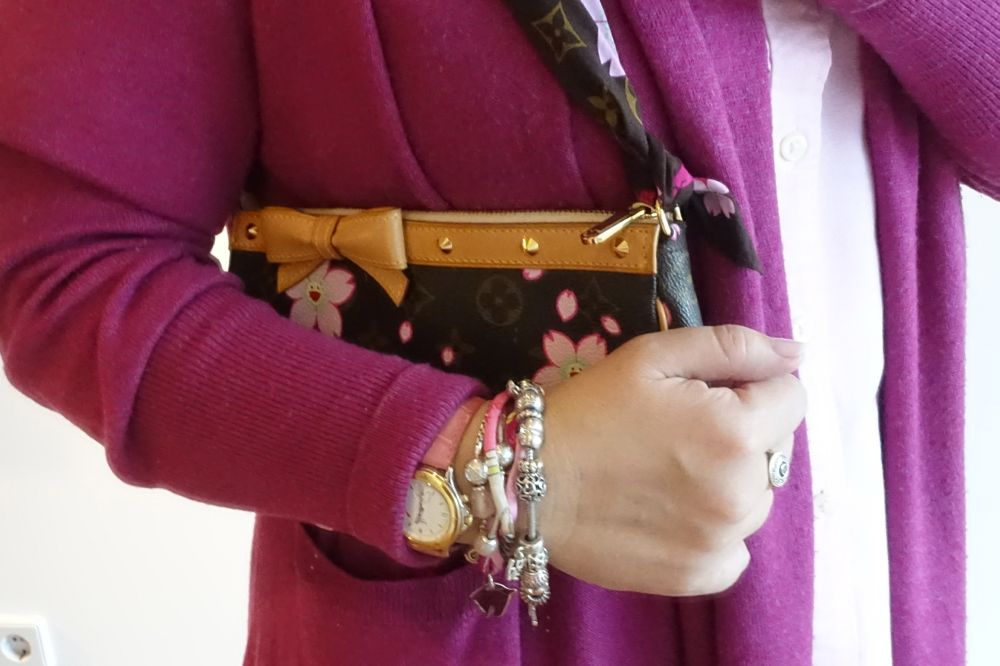 Louis Vuitton Murakami Pochette Accessoires & light pink arm candy