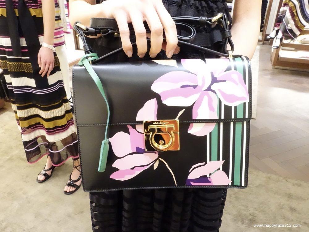 Ferragamo SS 2016 flower bag detail