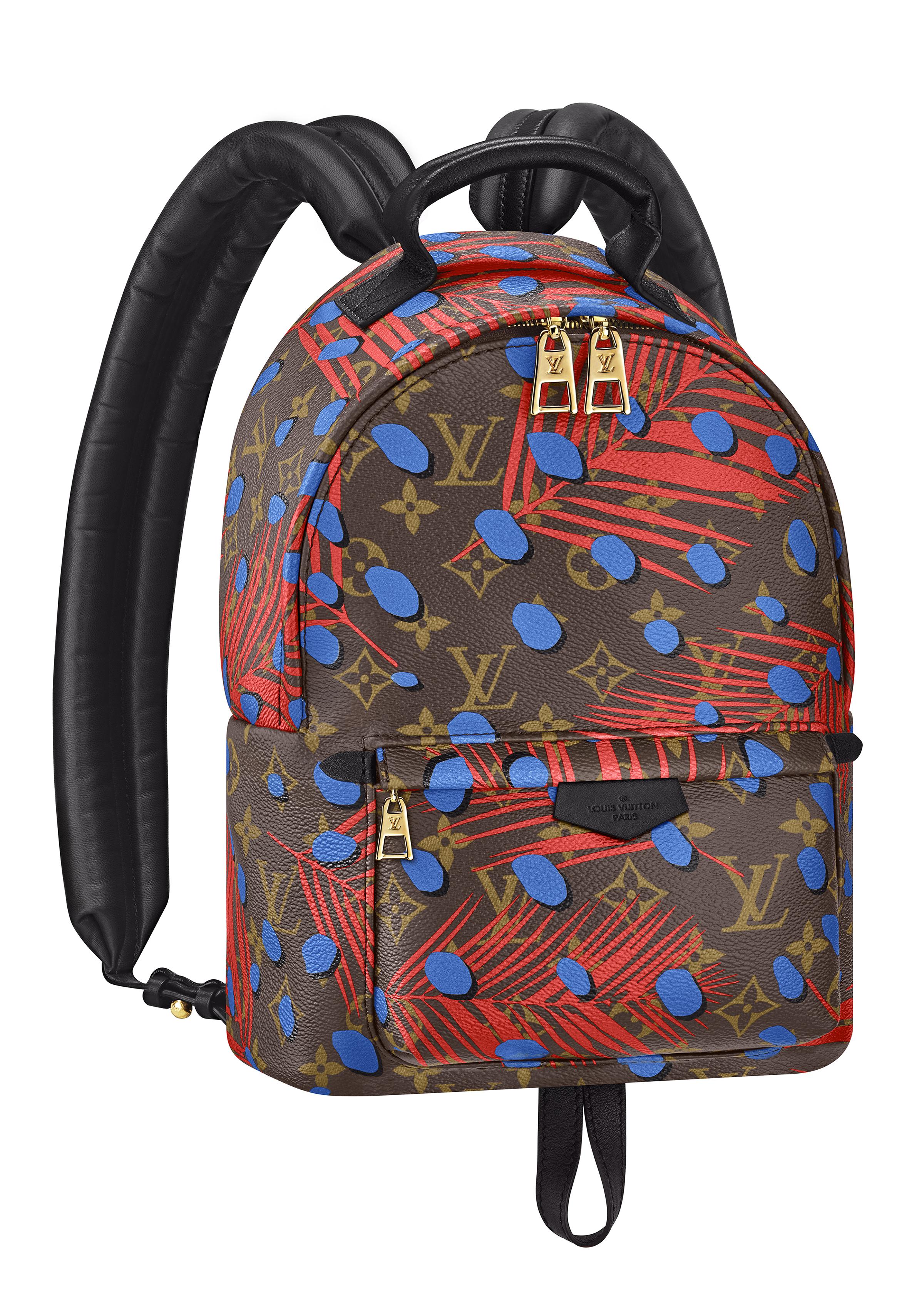 Backpack Palm Springs PM en toile Monogram Jungle coquelicot et denim. - vue de 3/4.