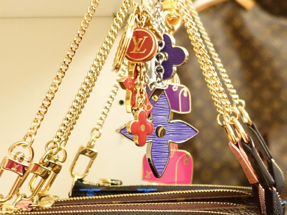 HappyFace313-Louis-Vuitton-bag-charm-Schlüsselanhänger
