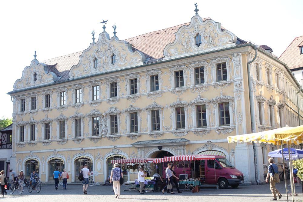 Würzburg - Haus zum Falken