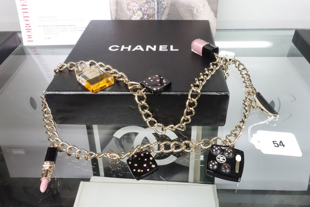 CHANEL Vintage Auktion Dorotheum - Lot 54 Icon Gürtel - Kette / belt - necklace