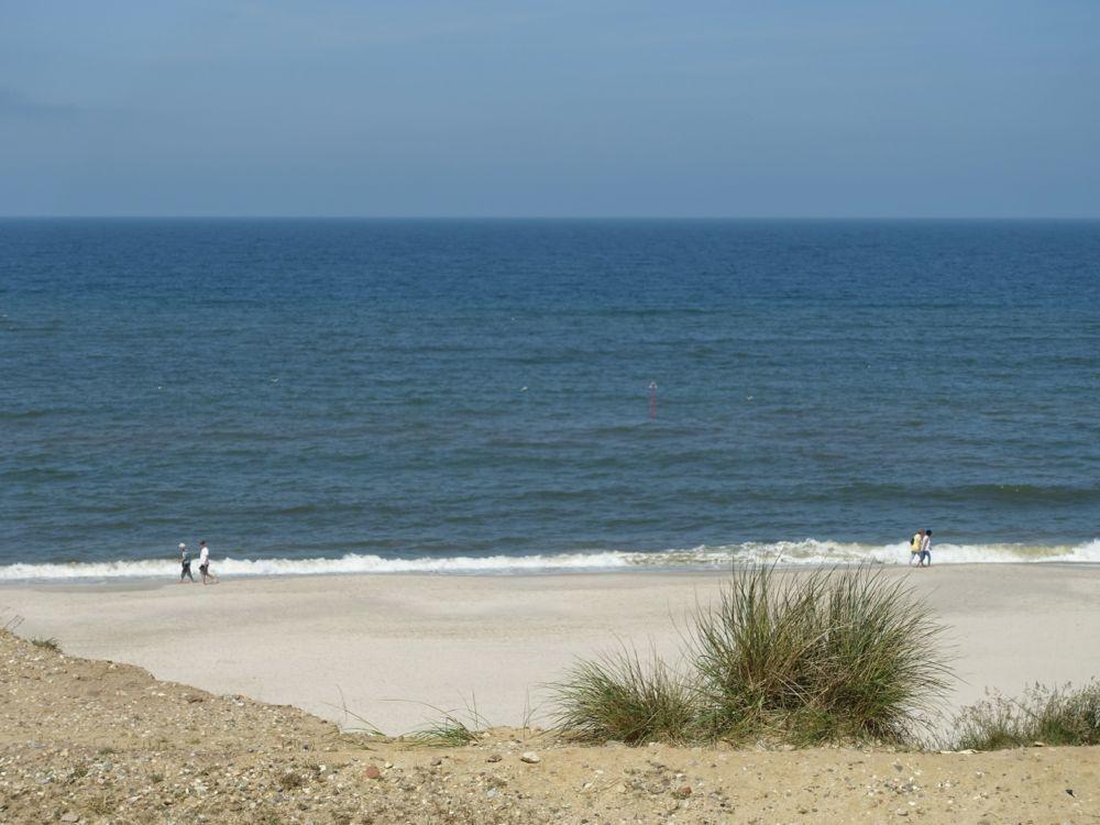 beach view from Kampen parking lot / Blick auf den Strand Kampener Parkplatz