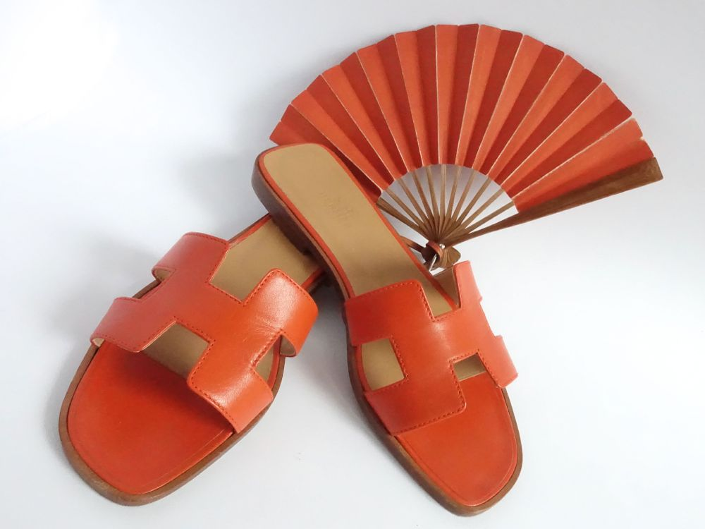 Hermès In the Pocket Fan, Oran sandles