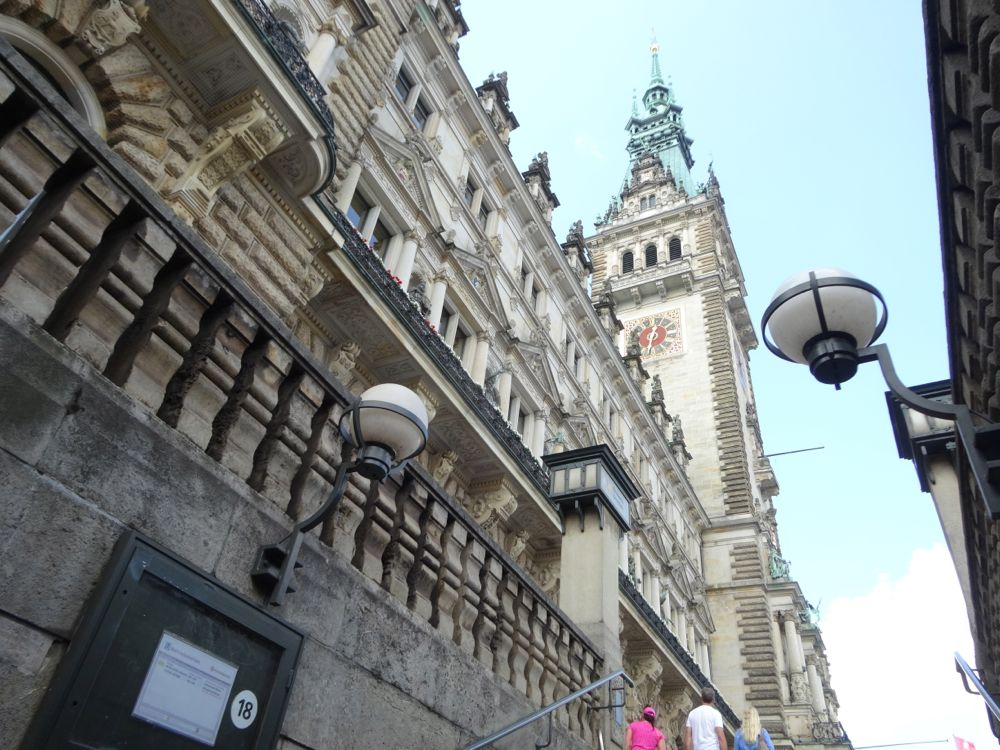 """coming up from """"Rathausplatz"""" underground station seeing the town hall"""