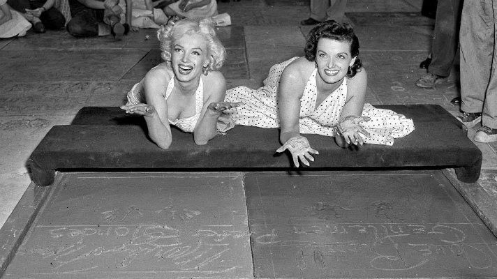 Marilyn Monroe and Jane Russell © visitlosangeles.com