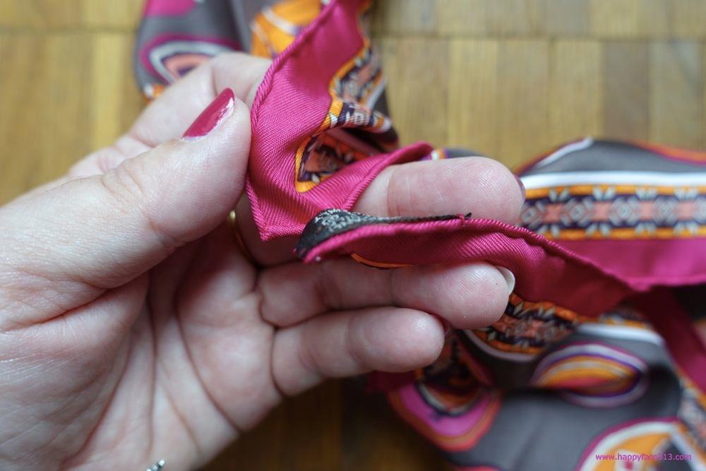 HappyFace313-How-I-wear-my-neckerchief-take-ends
