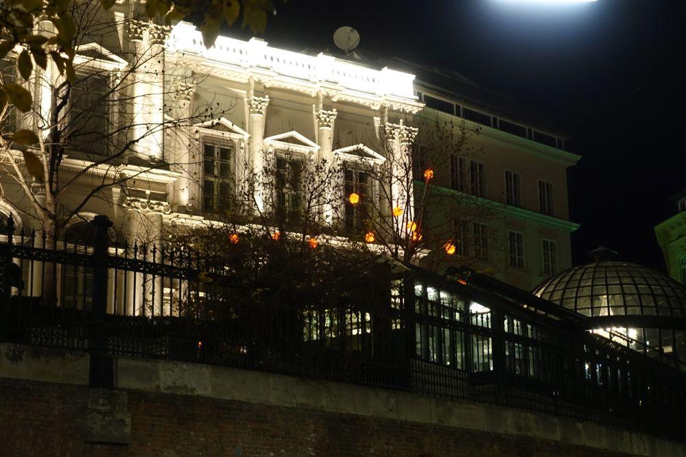 Palais Coburg im Lichterglanz