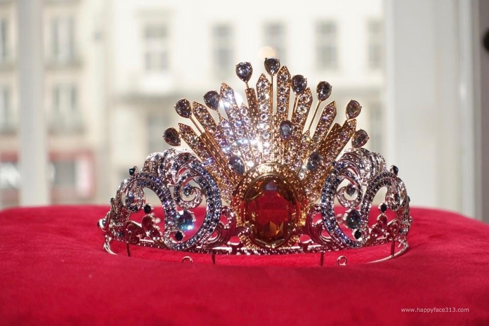 Versace Tiara Opernball