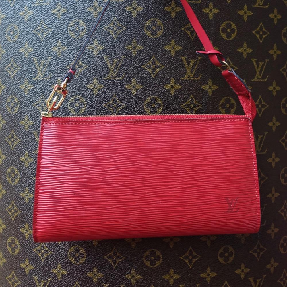 HappyFace313 red Epi Pochette