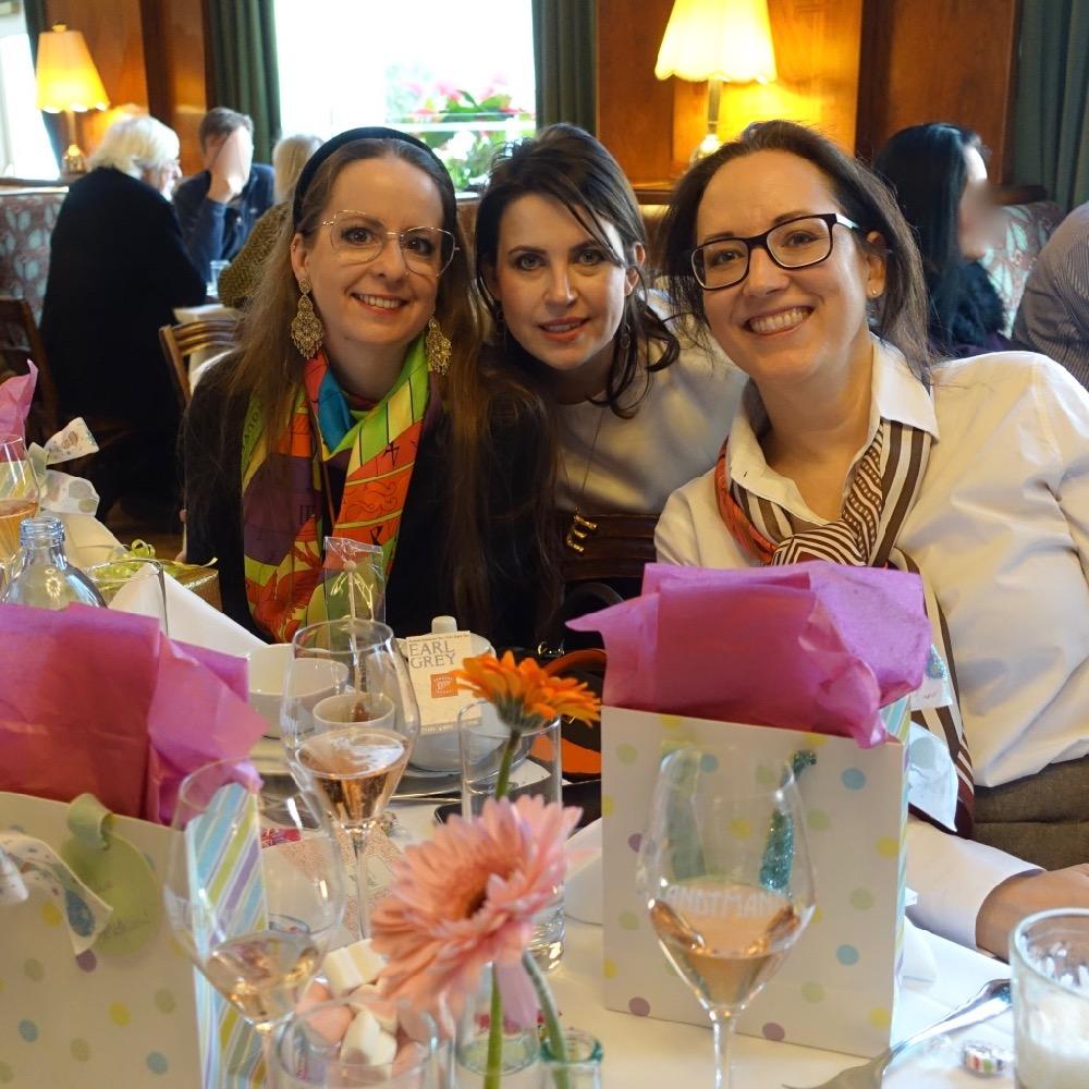 HappyFace313 feiern mit den Mädels