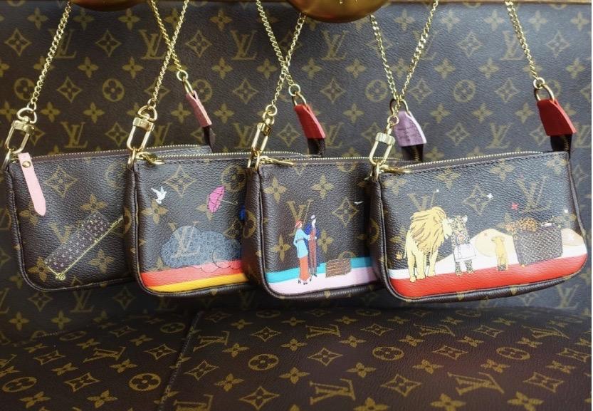HappyFace313 Louis Vuitton Pochettes